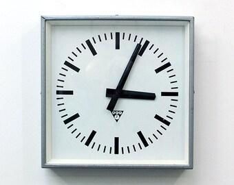 "Clock:""Pragotron clock"""