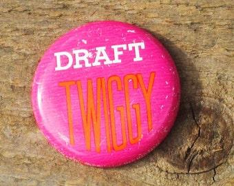 Vintage 60s Draft Twiggy Vietnam Hippie Protest Supermodel Pinback Button