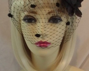 NEW vintage 1940s 50s STYLE BLACK Pillbox Veil Hat Races Wedding Face Net netted fascinator pill box sinemay hat rose feather dita von tees