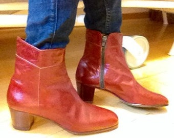 Vintage Italian sleek Booties, red brown top quality leather, dead stock/never worn,size 37.5, european size 38, boutique