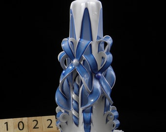 Hand Carved Candle, Turquoise and White, Double Bow Carve, 7 Inch, 1022