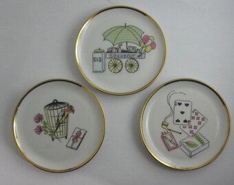 50s small porcelain plates (3 pieces) with beautiful motifs and gold rim. Bavaria Schumann Arzberg porcelain from Germany. VINTAGE