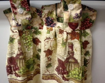 Wine and Grapes on Hanging Towel, Hanging Towel with Wine and Grapes, Wine Lovers' Hanging Towel
