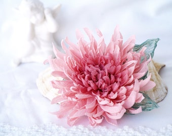 Pale Pink Flower Brooch, Floral Brooch Pin, Pure Silk Chrysanthemum, Brooch Corsage, Gift For Her, Pastel Pink Hairpiece,Mother of the Bride