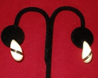 MONET CREAM ENAMEL Earrings