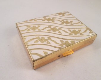 1950s Zell Fifth Avenue Compact, Goldtone Floral Decoration on Ribboned Goldtone Motif,