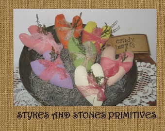 PRiMiTiVe SpRiNg St. VaLeNTiNe'S DaY CoNVeRSaTiOn HeARt OrNiE BoWL FiLLeRs DoLLs TuCks PaTTeRn