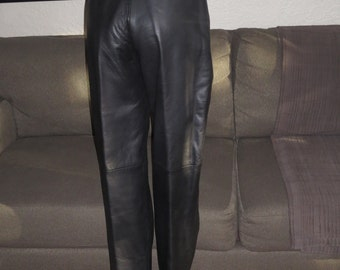 Womens Vintage Black Soft Leather Pants , Size 10 , Side pockets , Pleated Front  , Lined