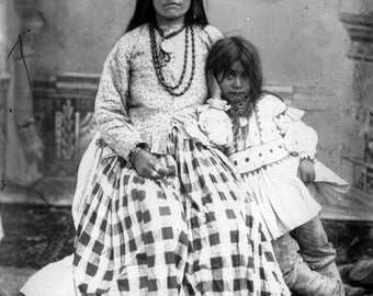Ta-ayz-slath the wife of Geronimo, and child Old Photo Print