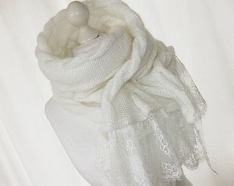 Scarf made of mohair in white lace