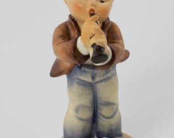 "Vintage Hummel Figurine ""Serenade"""