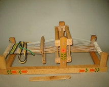 Vintage Old Wooden Small Size  Child  Weaving Loom - Collectibles & Rare