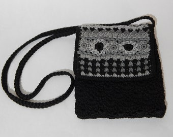 """7"""" x 9"""" Crocheted Black Gray Lined Cross Body Purse Pouch Hand Bag"""