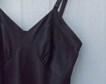 Vintage Black ISIS Wiggle Slip | Full Slip | Pin up Style Undergarment | Size 36