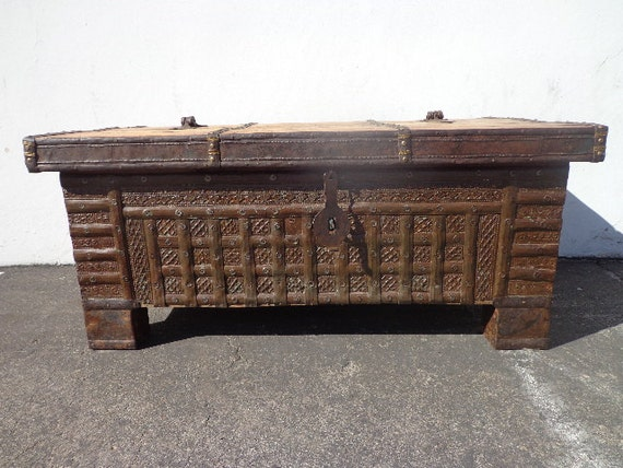 Primitive east indian trunk coffee table storage chest antique Indian trunk coffee table