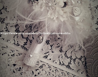 Feathers brooch bouquet, Ivory bouquet