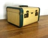 Vintage Train Case, Make Up Case, Cosmetic Case, Small Suitcase, Photo Prop, Wedding Decor