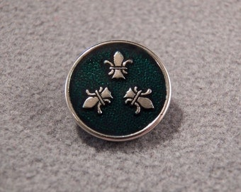 Vintage Steele Enamel Detailed Fancy Fleur De Lis Button    **RL