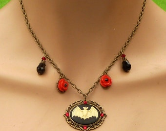 Gothic Necklace with bat cameo and red roses, red black bronze, Halloween jewelry, vampire necklace, red bronze, Halloween disguise