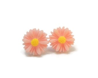 Light Pink Daisy Earrings METAL FREE Plastic Post Earrings 12mm Pink Flower Studs Hypoallergenic for Sensitive Ears