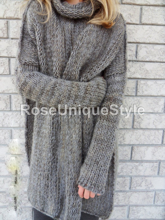Oversized woman knit sweater.Chunky/Bulky loose knit