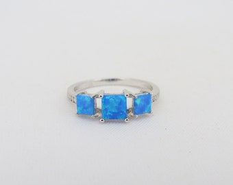 Vintage Sterling Silver Blue Opal & White Topaz Ring Size 7.25
