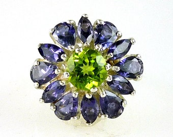 Stunning Peridot & Iolite Cluster Ring. Great combination  925 Sterling Silver