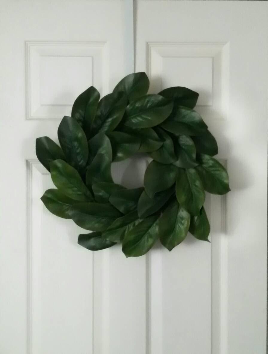 Magnolia Leaf Wreath: Magnolia Wreath // Front Door Wreaths // Magnolia Leaf Wreath