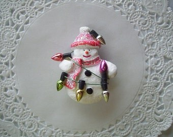 Snowman Magnet (506) - Snowman Refrigerator Magnet - Christmas Magnet - Recycled jewelry
