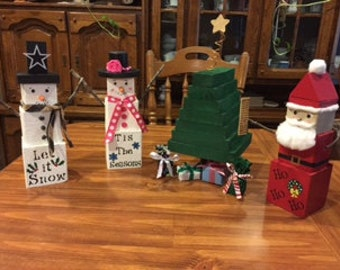 Wooden block Snowman/Snow women, Santa Claus and Christmas tree with presents