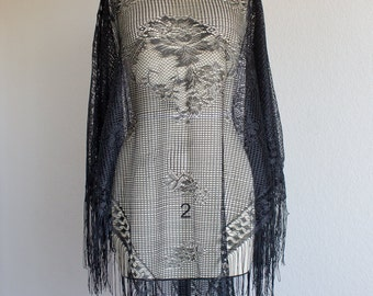70's Delicate Floral Lace Poncho With Fringe
