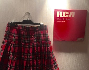 90s red plaid mid skirt