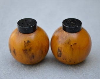 Marbled Bakelite Round Salt and Pepper Shakers Mid Century Vintage