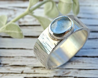 mens ring aquamarine silver, mens personalized ring silver, wide silver ring aquamarine, wood grain ring silver, hammered silver ring