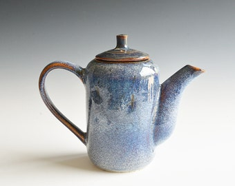 Coffeepot handthrown in porcelain