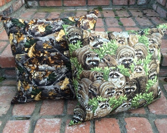 Set of 2 Throw Pillows