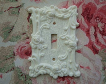 Roses & Flourish Single Toggle Wall Plate Resin French Country Chic Circa 1967