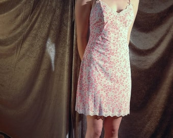 awesome super cute retro 60s floral pink nylon slip / gown with bows & spaghetti straps