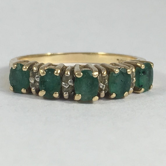 vintage emerald and band 14k yellow gold setting