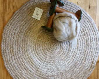 "Llama Wool Rug ~ 32"" Round ~ Creams & Beiges Two-Tone ~ Hand-Braided ~ Llama Wool ~ Hand Made ~ Great Gift ~ Shipping INCLUDED!"