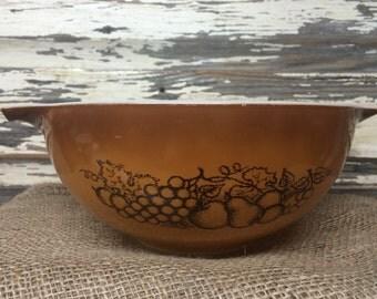 Vintage Pyrex Old Orchard Nesting Bowl 2 1/2 Quart 443