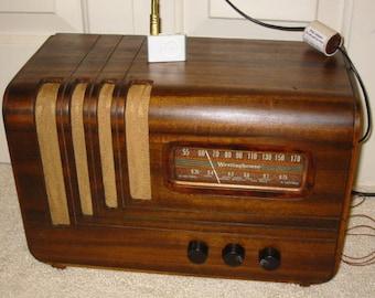 Restored 1942 Canadian Westinghouse model 577 wood case 5-tube 2 band, iPod ready radio