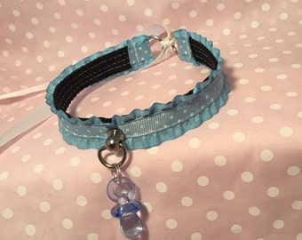 12 Inch Frilly Blue Polka Dot Collar