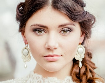 Soutache earrings ecru for bride