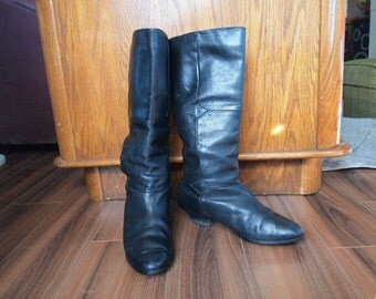 Vintage Black Leather Boots Sz 7.5M Slouchy Low Heeled