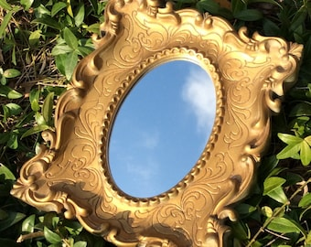 Vintage Gold Syroco / Homco Framed Oval Mirror, Hollywood Regency Decor, French Country Decor, Shabby Chic, Cottage Decor