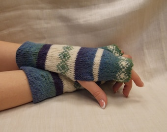 Women Knit Arm Warmers  with ornaments, Fingerless Gloves, Knitted FAIRISLE Mittens.
