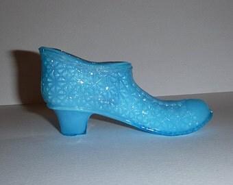 Beautiful blue miniature pressed glass shoe vase, toothpick, trinket