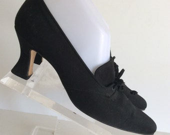 STEAMPUNK WITCH VIntage 90s Anne Klein II Black Fabric Medium Heel Lace Up Oxford Shoes. Size 7 1/2 N