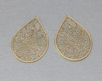 Teardrop Filigree Pendant . Polished Gold Plated . 10 Pieces / C6001G-010